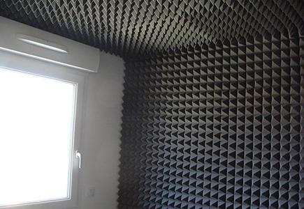 Akustik Piramit Sünger Tavan Duvar Uygulama